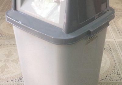 thùng rác nhựa 45L - ghi