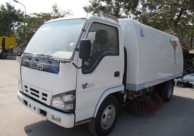 xe-quet-duong-ISUZU-5 khoi-nhap-khau-1